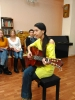 Индира Надеждина исполняет авторские песни на музыкально-поэтическом квартирнике (25.01.2018)