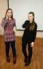 Участницы музыкально-поэтического квартирника студентки медицинского колледжа Ольга Палагина и Алёна Кудимова