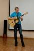 Студент Краснотурьинского индустриального колледжа Денис Кузьмин порадовал участников встречи песней под гитару