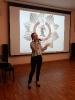 Дарья Еремина, студентка медицинского колледжа, исполняет песню «Обелиск»