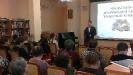 Игорь Лопаев, студент медицинского колледжа, читает стихи собственного сочинения