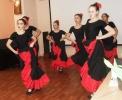 Горячий испанский танец в исполнении танцевального коллектива «Зазеркалье»