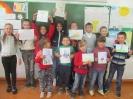 Дети оздоровительного лагеря при школе № 18 поселка Чернореченск - участники конкурса рисунков «Мы рисуем сказку»