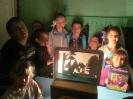 Дети летнего оздоровительного лагеря поселка Чернореченск в роли артистов «театра теней»