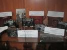 Ретро-выставка старинных фотоаппаратов «Тонкая реальность», оформленная к Дню поселка Рудничный в поселковой Библиотеке № 9