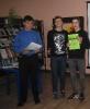 Победитель Чемпионата по скорочтению «Лига глотателей текста» в категории от 13 до 17 лет Зайцев Егор (крайний слева) и участники Чемпионата в Центральной детской библиотеке