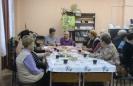 Участницы вечера отдыха «Мы за чаем не скучаем» в Центральной детской библиотеке