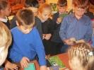 Школьники поселка Рудничный знакомятся с изданиями книжной выставки «В мире книг Ивана Тургенева…»