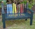 Книжная скамейка. Источник фото: сеть Интернет