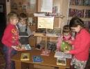 Дошкольники познакомились с произведениями В. Драгунского на книжной выставке в Библиотеке № 10 района Медная Шахта