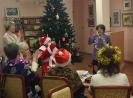 Участники новогоднего квартирника прочли стихи Деду Морозу и получили сладкие подарки