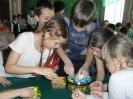 Участники игры «Самоцветы» разбирали уральские камушки по цветам