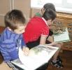 Ребята с удовольствием рассматривали красиво изданные книги сказов Бажова с прекрасными иллюстрациями