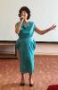 Нина Мингазова исполнила песню «Одолжила» и стихотворение «Никто не встретил женщину с ребенком»
