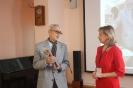 Вручение Свидетельства об участии самому взрослому участнику Тотального диктанта – 84-летнему Мастерову Валерию Ниловичу