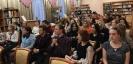 Зрители и участники конференции «Расскажи свою идею!» в формате печа-куча в Центральной городской библиотеке