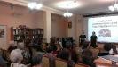 Елена Ветрова и Екатерина Талашманова, студентки медицинского колледжа, исполнили «Балладу о солдате»