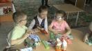 Дети с проблемами зрения из детского сада № 32 знакомятся с «говорящими» книгами и книгами с мягкими паззлами из фонда детской библиотеки