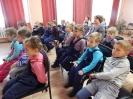 Воспитанники детского сада № 21 и ребята из социального приюта на Дне рукавичек в Центральной детской библиотеке