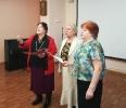 Душевные стихи и песни исполнили участницы хора «Зоренька»