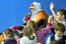Участники праздника открытия Недели детской книги с удовольствием выполняли задания хитрой лисы Алисы, участвовали в конкурсах, отвечали на вопросы. Фото: Вадим Аминов (газета «Вечерний Краснотурьинск»)