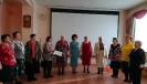 Народный ансамбль «Зоренька» исполнил песню «Живите! Любите!»