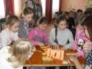 Дети с удовольствием разгадывали ребусы, выполняли интересные задания и играли в забавные игры