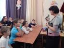 Сотрудник Краснотурьинского краеведческого музея Ирина Живаева в ходе познавательной программы «Бурундучья тропа» рассказала детям о символе Краснотурьинска – бурундуке