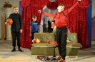 Сцена из спектакля «В организме у лентяя», представленного семейным театром «Небесные лучики» на областном фестивале любительских семейных театров «Дружная семейка»