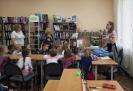 Юные исследователи объединения «Эколог» Станции юных натуралистов рассказали воспитанникам детского сада № 34 о том, что можно сделать своими руками из бумаги и пластика