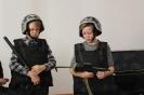 Участники познавательной программы смогли подержать в руках оружие и примерить обмундирование