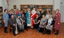 Организаторы и участники мероприятия в рамках Новогоднего благотворительного марафона ОК РУСАЛ «Верим в чудо! Творим чудо!» в центральной городской библиотеке