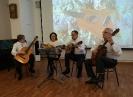 Взрослые ученики детской музыкальной школы № 3 открыли концерт авторской песни в центральной городской библиотеке