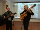 Участники концерта авторской песни в центральной городской библиотеке Валерий Богданов и Павел Попов