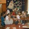 Участники мастер-класса «Открытка доктору» в библиотеке № 9 поселка Рудничный
