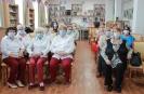 Участники фестиваля творчества инвалидов «Тебе, любимый город!» в центральной городской библиотеке